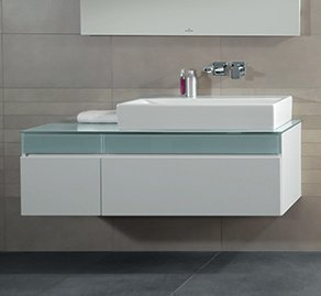 Allaskaappi Villeroy & Boch Memento C264 1306x425x535 mm lakattu mattavalkoinen/Soft Grey lasi + pesuallas oikealla