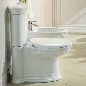 WC-istuin Ceramicplus-pinnoitteella Villeroy & Boch Amadea 7695 365x710 mm Valkoinen Alpin + istuinkansi + huuhtelusäiliö